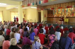 S.S. Karmapa - Ensinamento no Monastério de Gyuto, abril/2013