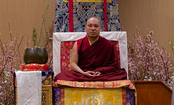 O Décimo Sétimo Karmapa ensina meditação, alerta contra a comercialização e recomenda retiros de prática intensiva de shamata para os Ocidentais